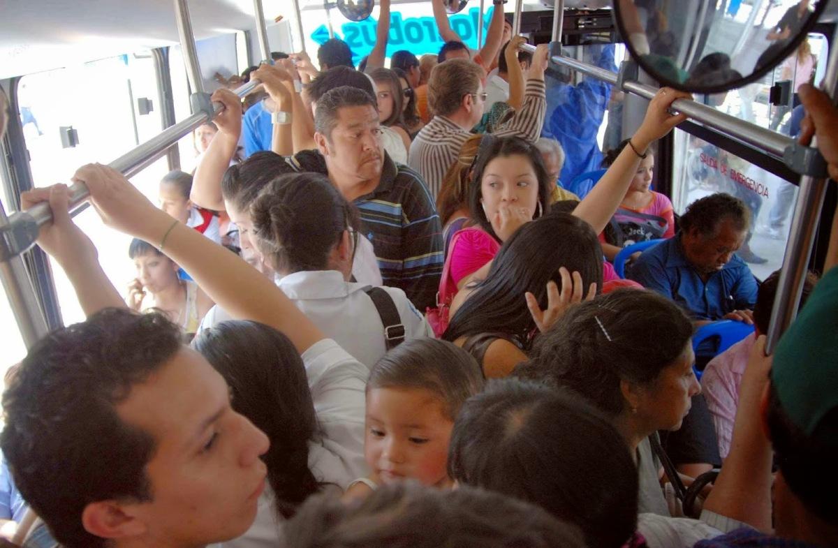 Los Pinche Odio – Parte 1: En el transportepúblico